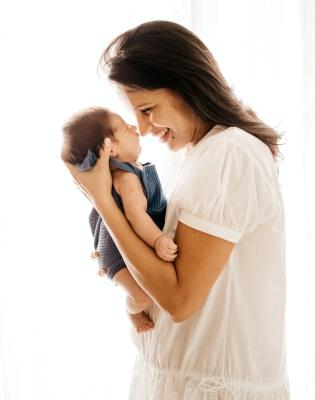 Bebé y Mamá